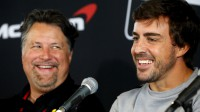 Maikls Andreti un Fernando Alonso Foto: AP/Scanpix