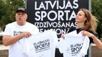 """""""Es atbalstu sportu!"""" pārstāvji Zintis Ekmanis un Ulla Zirne"""