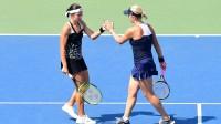 """Anastasija Sevastova un Anastasija Pavļučenkova """"US Open"""" dubultspēļu turnīrā. Foto: AFP/Scanpix"""