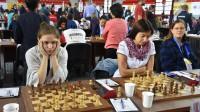 Elizabete Limanovska (no kreisās), Linda Krūmiņa un Ilze Bērziņa. Foto: Lana Chess Photography