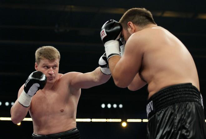 Povetkins izcīna WBA titulu, kārtējā uzvara Heleniusam (+video)