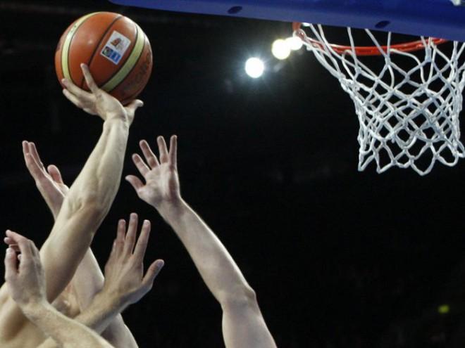 Lietuvā basketbola spēli tiesā piedzēries tiesnesis