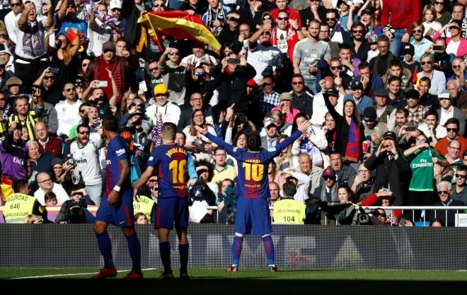 """""""Barcelona"""" sadragā Madridi, mazinot """"La Liga"""" intrigu"""