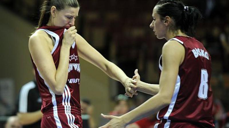 Zane Tamane un Gunta Baško Foto: Romāns Kokšarovs, Sporta Avīze, f64
