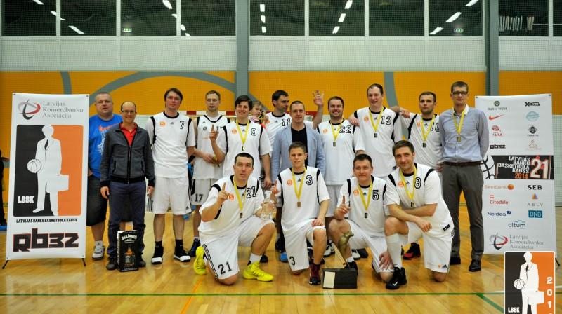 """""""Swedbank"""" basketbolisti izcīnījuši piekto čempionu titulu pēc kārtas Publicitātes foto"""