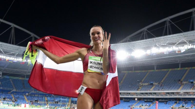 Laura Ikauniece-Admidiņa Romāns Kokšarovs, F64