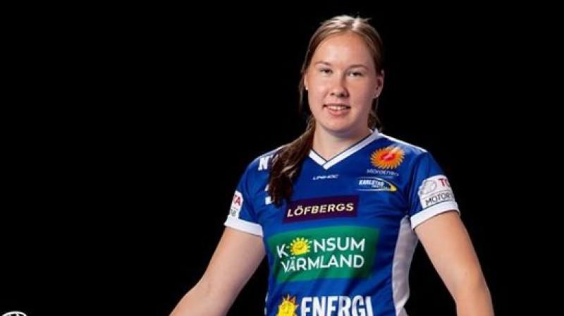 Luīze Biļinska turpina spēlēt rezultatīvi Foto: Karlstad IBF
