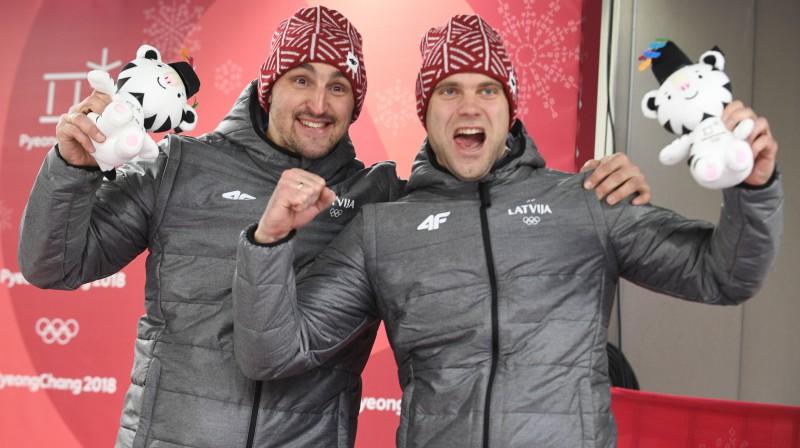 Oskars Melbārdis un Jānis Strenga. Foto: Romāns Kokšarovs/f64