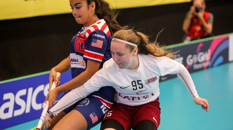 Anna Ankudinova Latvijas izlases kreklā spēlē pret ASV Foto: Ritvars Raits, floorball.lv
