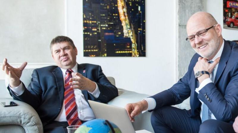 LHF vadība - Aigars Kalvītis. un Viesturs Koziols. Foto: Mārtiņš Zilgalvis/F64