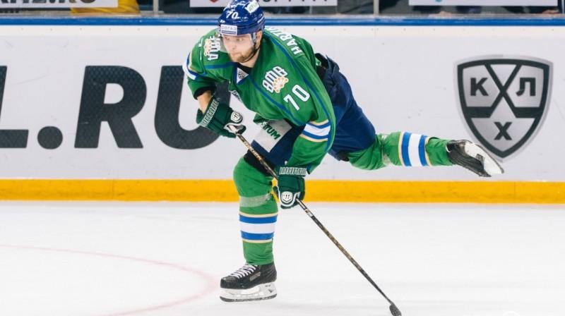 """Ufas """"Salavat Yulaev"""" uzbrucējs Timu Hartikainens. Foto: www.sport.business-gazeta.ru"""