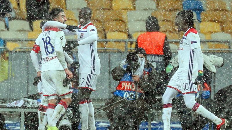 """Lionas """"Olympique"""" futbolisti priecājas par vārtu guvumu. Foto: EPA/Scanpix"""