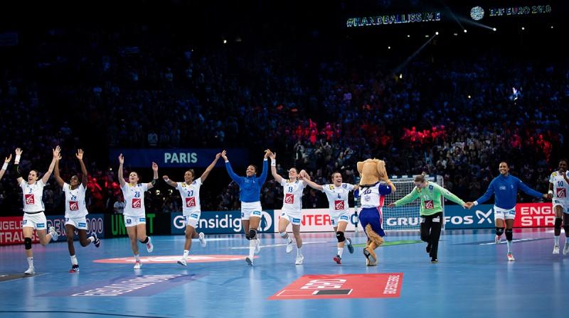 Francijas sieviešu handbola izlase pirmo reizi iekļuva Eiropas čempionāta finālā.