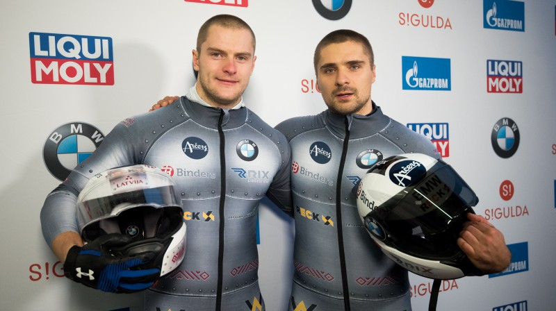 Matīss Miknis un Oskars Ķibermanis. Foto: Viesturs Lācis/bobslejs.lv