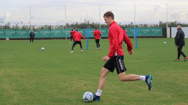 """Roberts Uldriķis treniņā. Foto: FC """"Sion"""""""