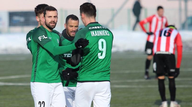 Dāvis Ikaunieks pēc vārtu guvuma. Foto: FK Jabloec