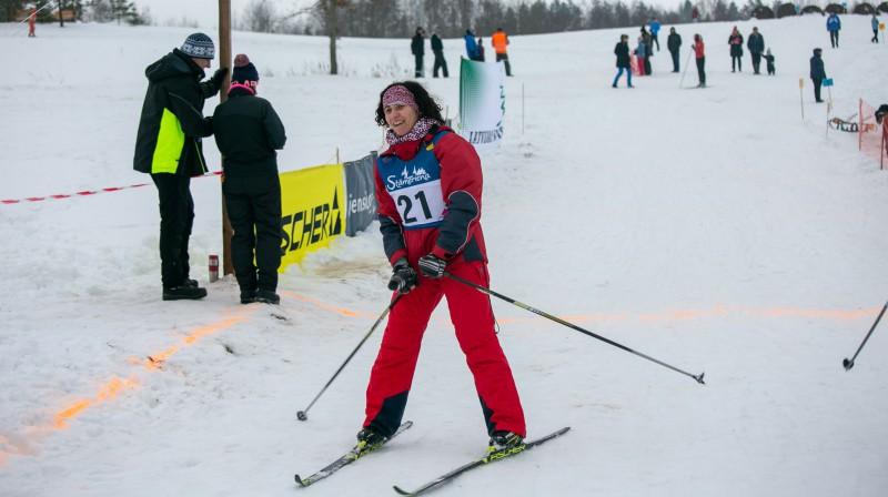 Izglītības un zinātnes ministre Ilga Šuplinska ir aktīva slēpotāja. Foto: Studija Milze.lv