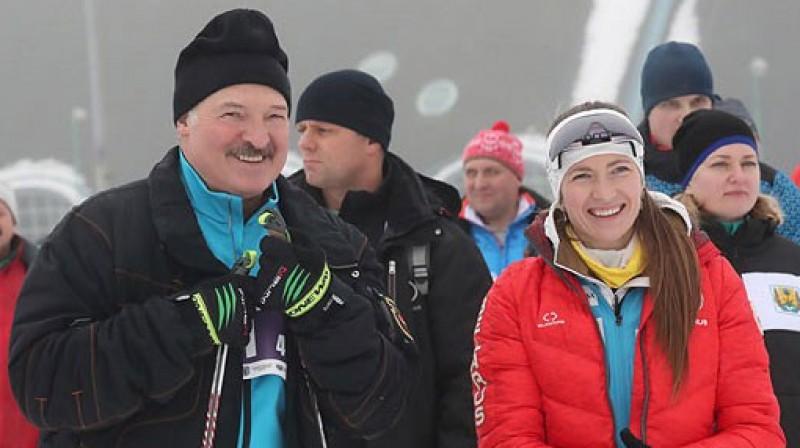 Aleksandrs Lukašenko un Darja Domračeva. Foto: belta.by