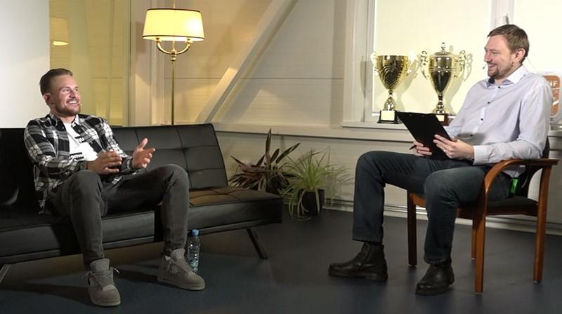 Rihards Bukarts un Jānis Freimanis. Foto: Ekrānuzņēmums
