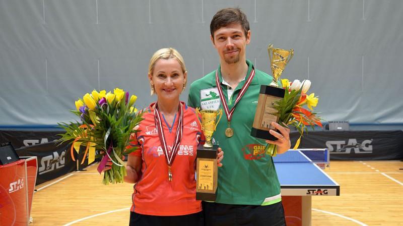 Natālija Kļimanova un Artūrs Reinholds. Foto: galdateniss.lv