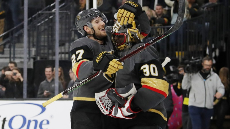 Vegasas vārtsargs Malkolms Subens aizvadīja pirmo sauso spēli savā NHL karjerā. Foto: AP/Scanpix