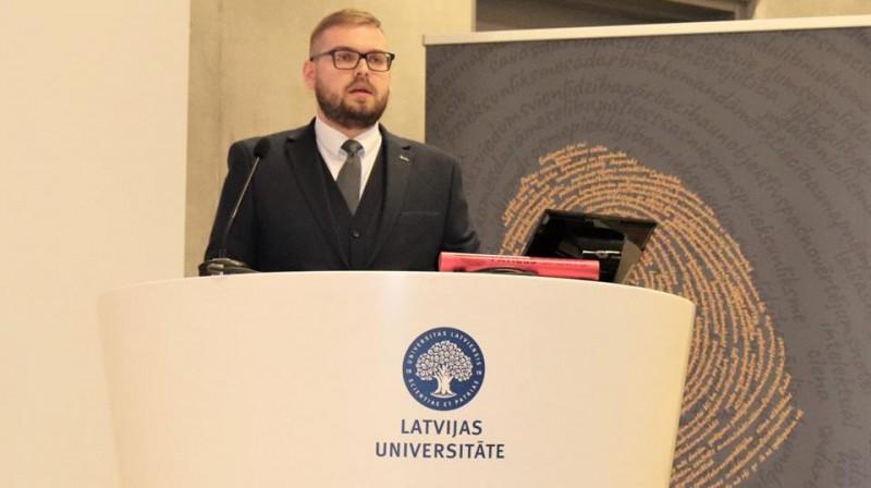 Latvijas Antidopinga biroja direktors Mārtiņš Dimants uzstājas pirmajā Antidopinga konferencē Latvijā.