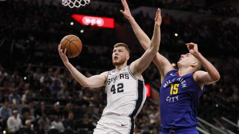 Dāvis Bertāns un Nikola Jokičs. Foto: USA Today Sports/Scanpix