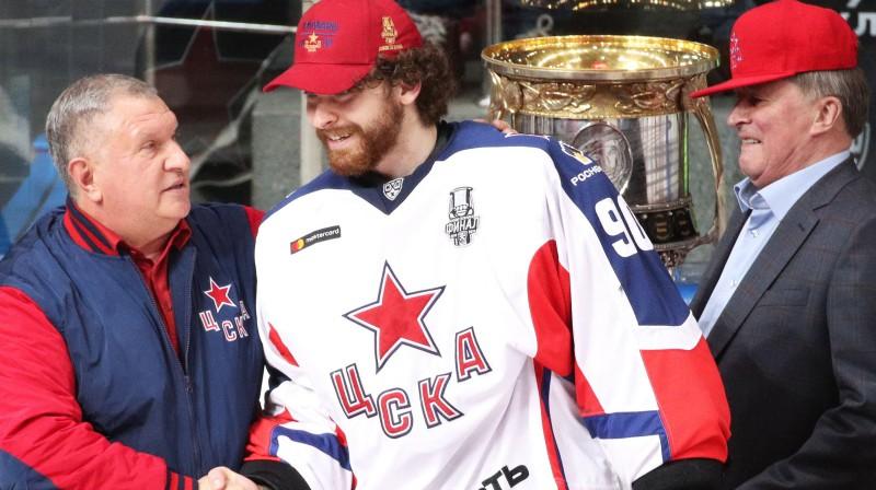 Maskavas CSKA vārtsargs Iļja Sorokins pēc triumfa Gagarina kausā. Foto: Sergei Bobylev/TASS/Scanpix