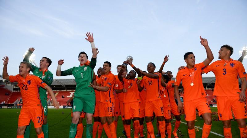 Nīderlandes U17 izlase priecājas pēc triumfa 2018. gada Eiropas čempionātā. Foto: UEFA