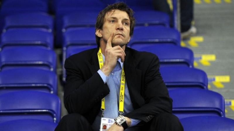 Latvijas hokeja izlases ģenerālmenedžeris Sandis Ozoliņš (2011) Foto: Romāns Kokšarovs, Sporta Avīze, f64