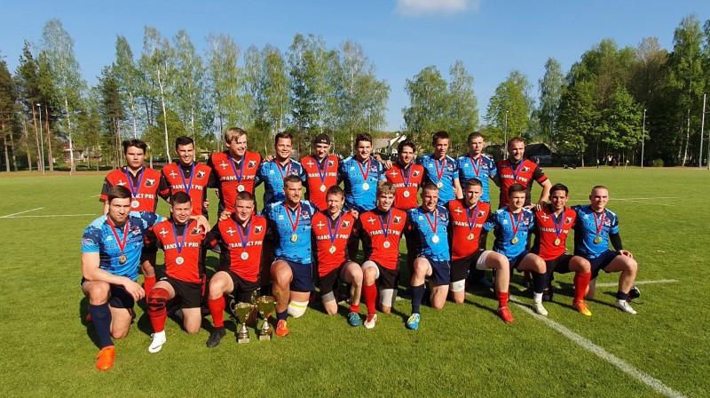 """Regbija klubu """"Miesnieki"""" un """"Baltrex"""" spēlētāji pēc Baltijas čempionāta. Foto: """"Miesnieki"""""""