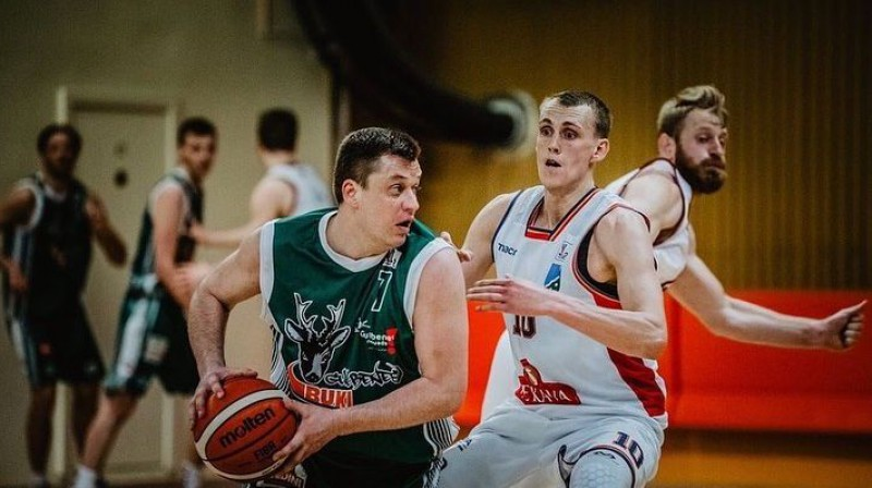 Raimonds Gabrāns un Nauris Mizis. Foto: Latvijas Basketbola Savienība