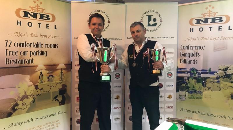 Artūrs Ķeņģis (pa kreisi) un Sergejs Sergejevs pēc Latvijas čempionāta. Foto: lrbf.lv