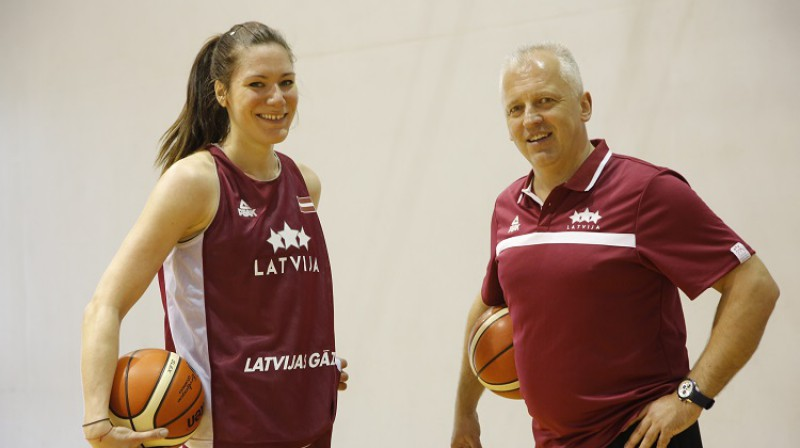Zenta Meļņika un treneris Aigars Nerips. Foto: Oksana Džadana, f64