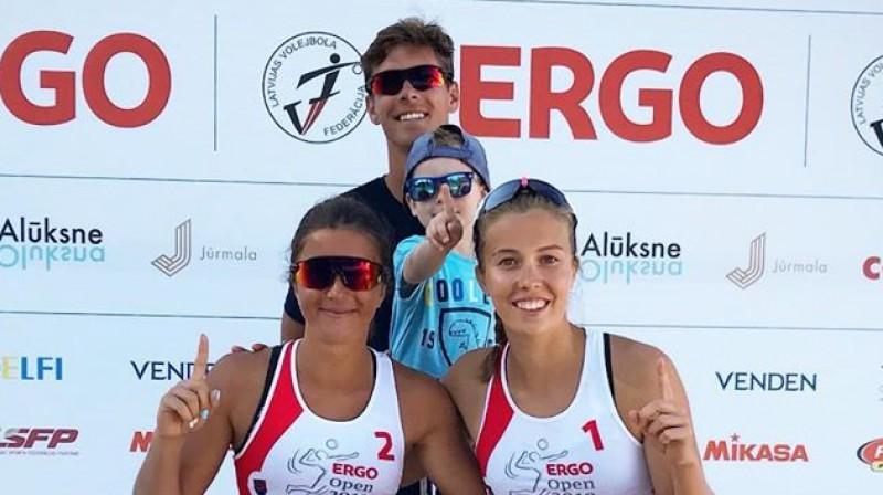 Varvara Brailko, Rihards Finsters (treneris), Anete Namiķe. Foto: instagram.com/finsters_rihards