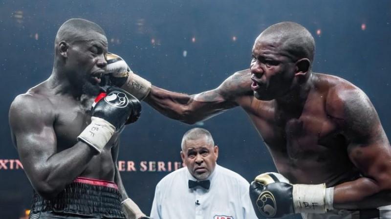 Endrjū Tabiti un Juniers Dortikoss IBF titulcīņā Rīgā. Foto: World Boxing Superseries