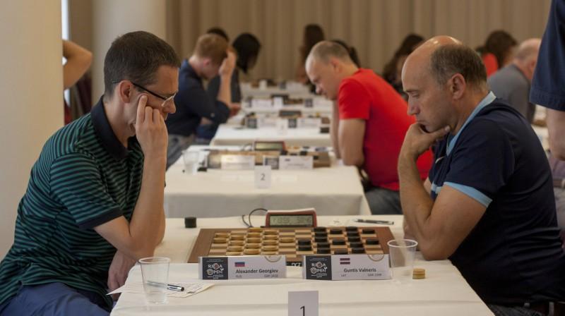 Aleksandrs Georgijevs un Guntis Valneris savstarpējā cīņā. Organizatoru foto