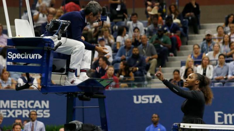 """Karloss Ramoss un Serēna Viljamsa pirms gada """"US Open"""" finālā. Foto: AFP/Scanpix"""