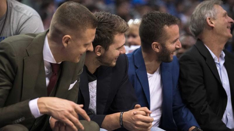 Kristaps Porziņģis, Luka Dončičs un Džeidžei Barea. Foto: Reuters / Scanpix