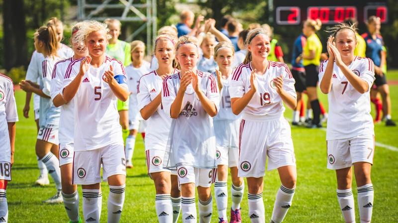 Latvijas U15 meiteņu izlase pēc uzvaras pār Lietuvu / Foto: Nora Krevņeva-Baibakova