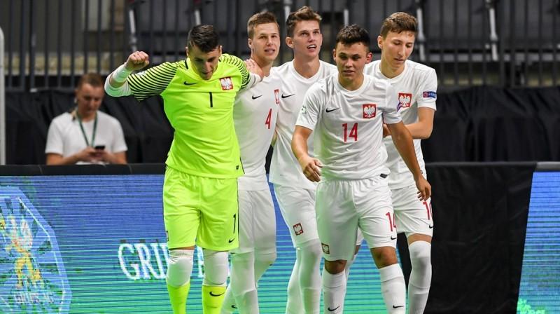 Polijas telpu futbolistu prieki / Foto: UEFA.com