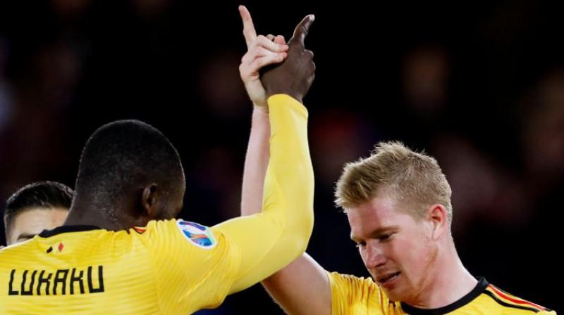 Romelu Lukaku un Kevins de Breine. Foto: Reuters/Scanpix