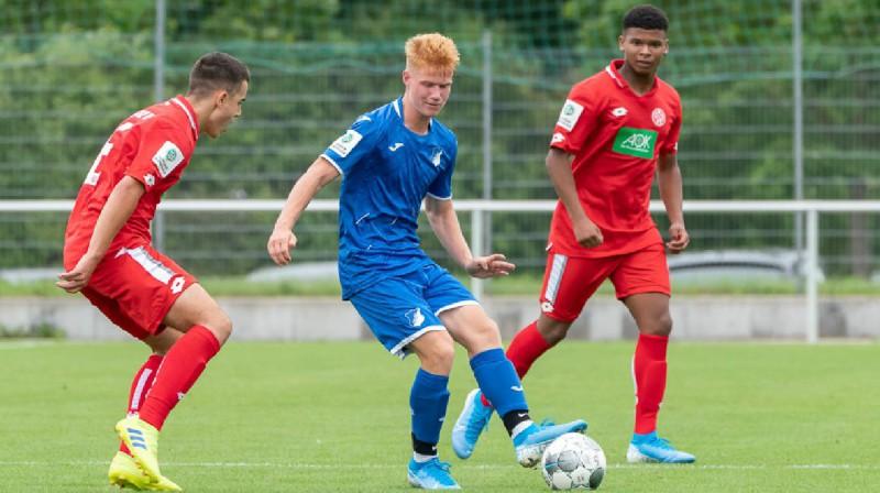 """Rolands Bočs spēlē pret """"1. FSV Mainz"""". Foto: TSG 1899 Hoffenheim"""