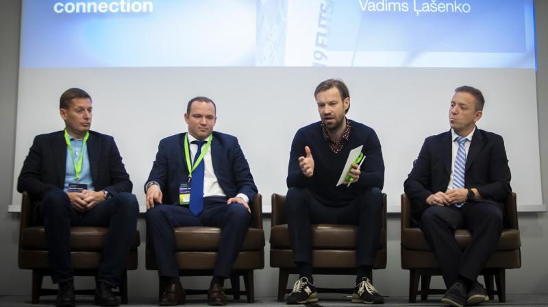 Sergejs Sliva (no kreisās), Vadims Ļašenko. Kaspars Gorkšs un Lorāns Morels. Organizatoru foto