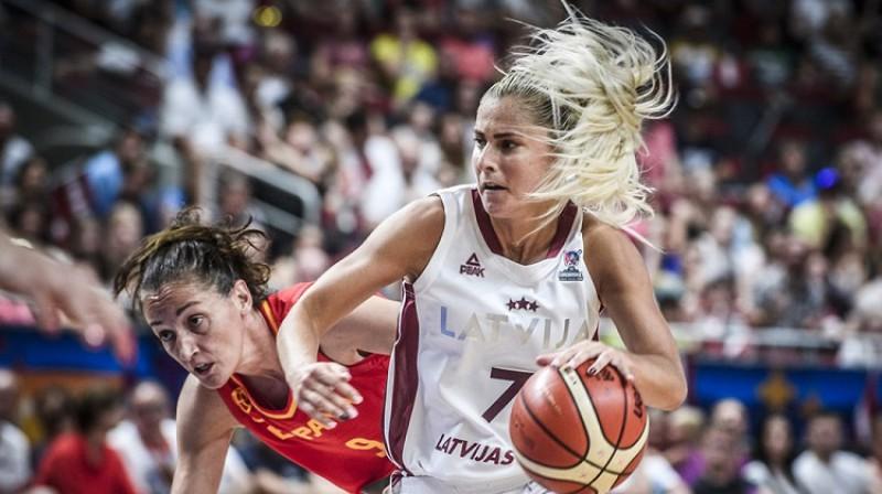 Elīna Dikeulaku turpinās spēlēt valstsvienībā. Foto: FIBA