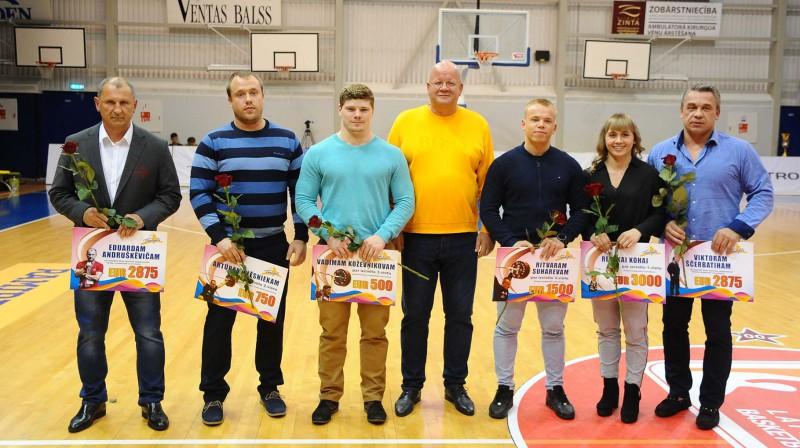 Latvijas svarcēlāju un treneru sveikšana pēc Eiropas čempionāta (2019). Foto: Aivars Ķesteris, ventasbalss.lv