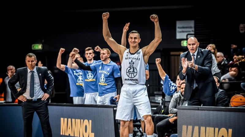 """Sims Galdiks un """"Neptūnas"""" līksmo: ACB līgas vicelīdere krīt no Klaipēdas rokas. Foto: FIBA"""