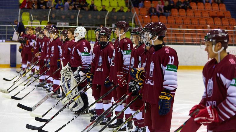 Latvijas U-20 izlase. Foto: LHF.lv