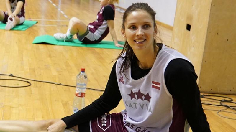 Kristīne Vītola valstsvienības treniņā 2019. gada 11. novembrī. Foto: Romāns Kokšarovs, f64