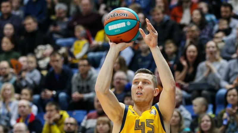 Dairis Bertāns: 11 punkti uzvarā pār Lionas ASVEL. Foto: bckhimki.ru